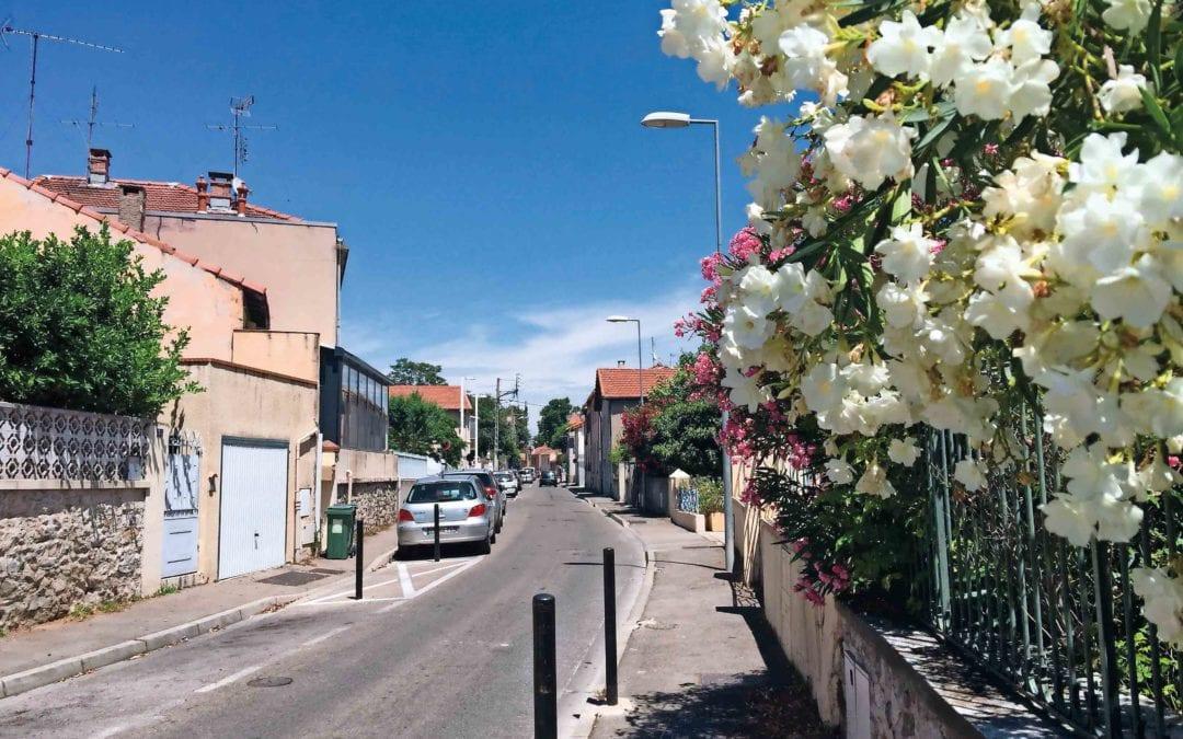 vers La place Eliette Berti