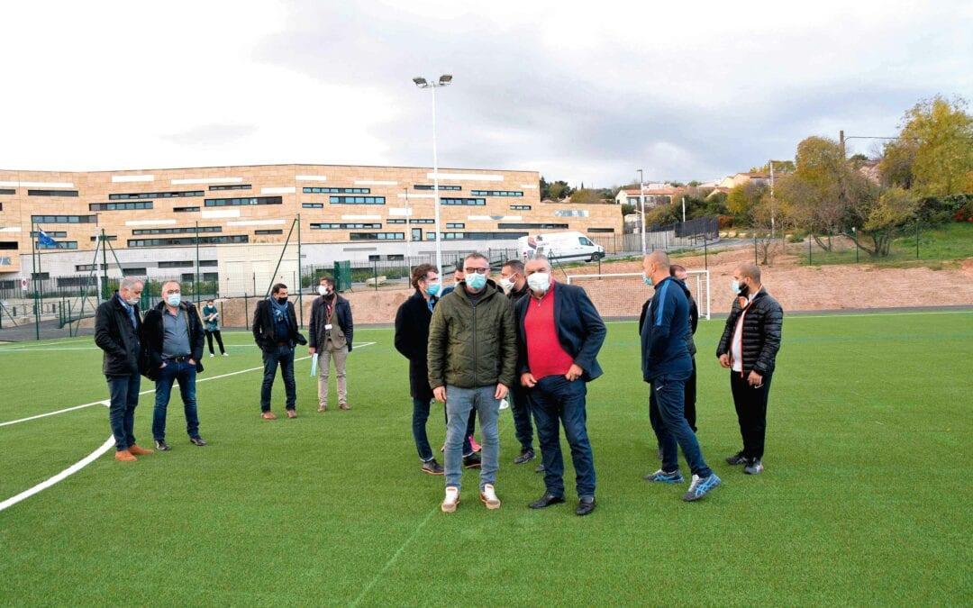 Un nouveau terrain de foot synthétique au Mas de Mingue