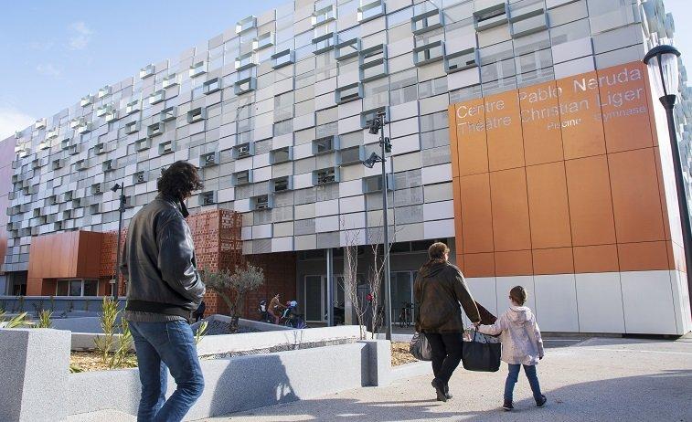 Vue de la façade rénovée du bâtiment
