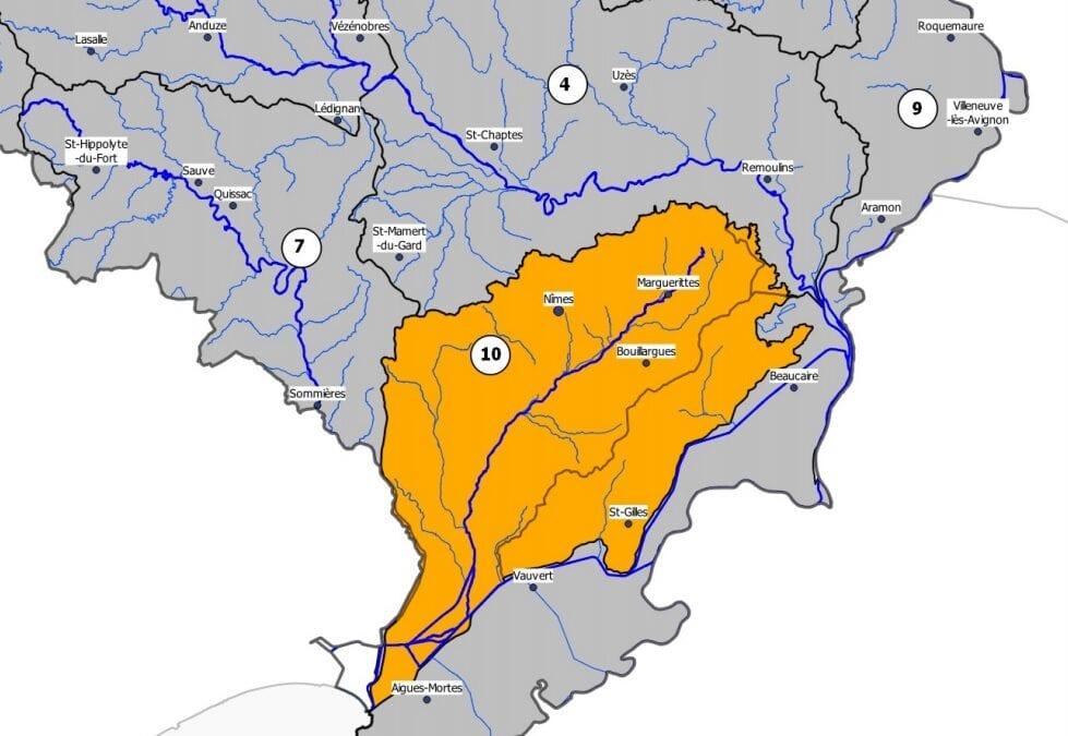 Carte du Gard avec l'ensemble du département en vigilance sécheresse et le secteur Vistre Vistrenque et Costières en vigilance renforcée